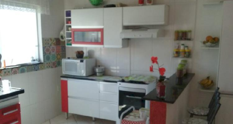 Casa 03 quartos - esmeraldas