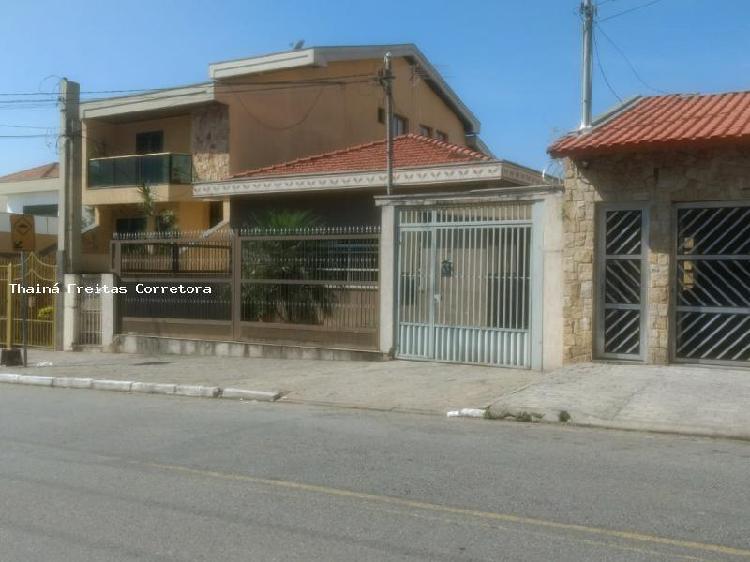 Casa com 3 quartos para alugar, 300 m² por r$ 3.000/mês