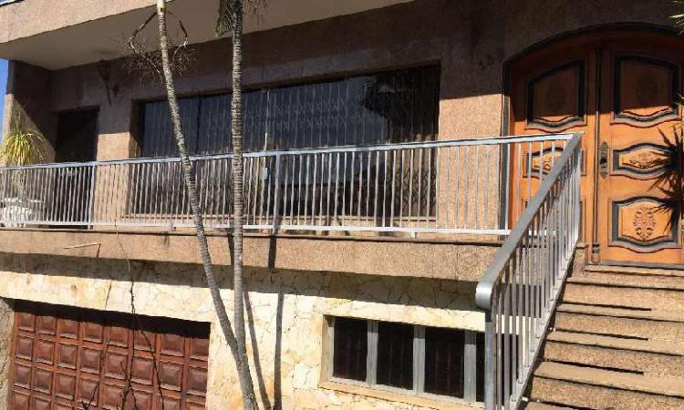 Casa com 3 quartos para alugar, 360 m² por r$ 6.000/mês