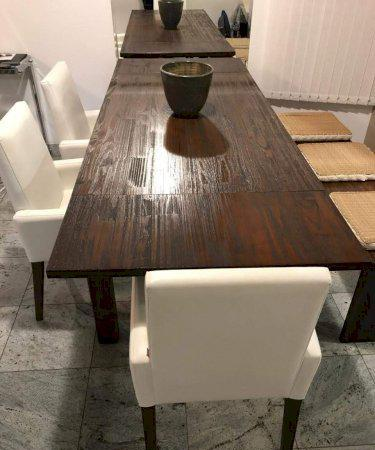 Mesa rústica com banco em madeira maciça