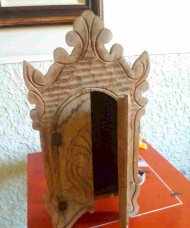 Oratório em madeira maciça antigo em ótimo estado