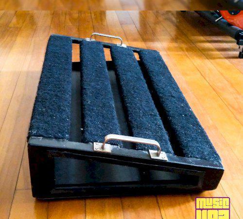 Pedalboard artesanal de ferro 75cm x 38cm super resistente