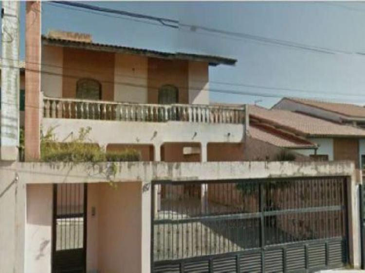 Sobrado com 4 quartos para alugar, 200 m² por r$ 1.500/mês