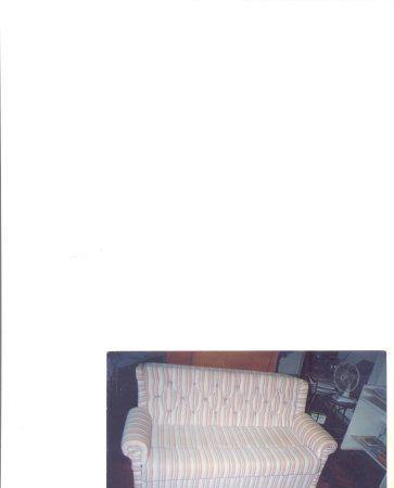 Sofá-cama em tecido seminovo forrado