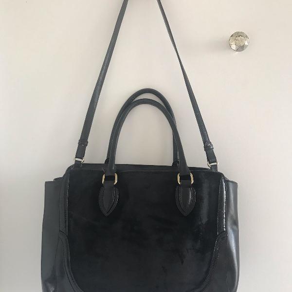 Bolsa em couro preta arezzo