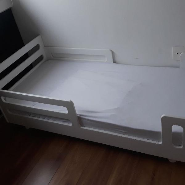Mini cama com colchão