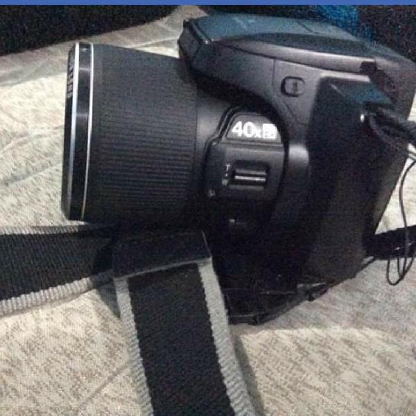 Câmera semipro fujifilm finepix s8200