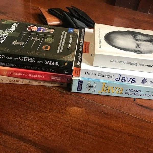 Livros variados em ótimo estado e preço