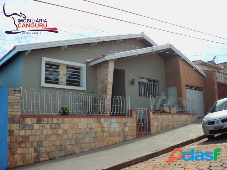 Casa, 4 dormitórios, Centro - Piraju-SP