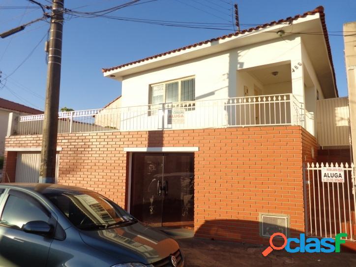 Casa, 3 dormitórios, 222 m², Centro de Piraju-SP.