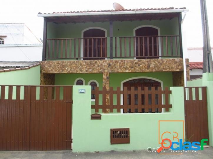 Excelente casa com 4 quartos no centro