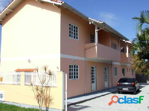Apartamentos de 02 dormitórios. excelente localização florianópolis norte da ilha rio vermelho praia do moçambique