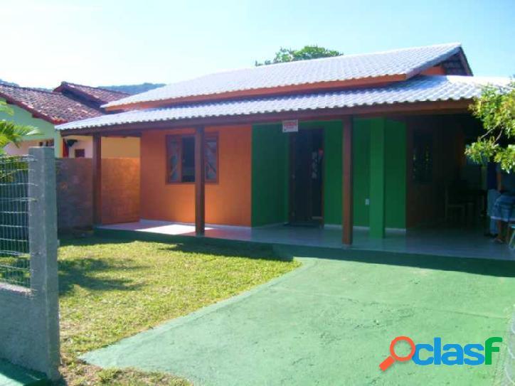 Casa a venda em alvenaria com 80m² em rua calçada!!! florianópolis rio vermelho norte da ilha praia do moçambique.