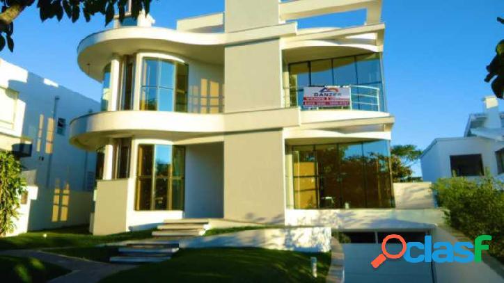 Linda casa à venda em jurerê internacional!!! florianópolis - norte da ilha - mansão