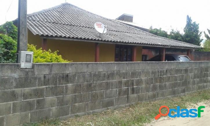 Casa a venda com 03 dorm, terreno c/ 360m² murado. ótima localização florianópolis rio vermelho norte da ilha praia do moçambique.