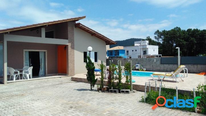 Casa a venda com 4 quartosexcelente localização. aceita financiamento florianópolis rio vermelho norte da ilha linda praia do moçambique.