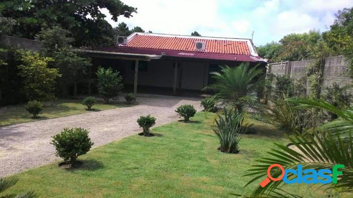 Casa a venda com excelente terreno ajardinado - rio vermelho florianópolis rio vermelho norte da ilha linda praia do moçambique.