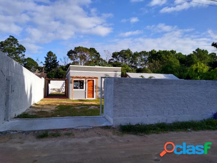 Casa a venda c/ 2 dorm + edícula. terreno c/ 408m² murado florianópolis rio vermelho norte da ilha belíssima praia do moçambique.