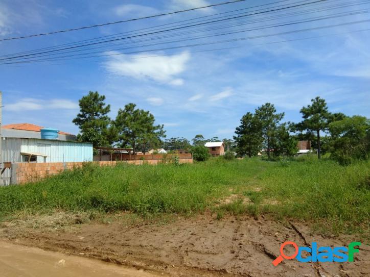 Terreno a venda com 180m², rua larga. florianópolis rio vermelho norte da ilha belíssima praia do moçambique.