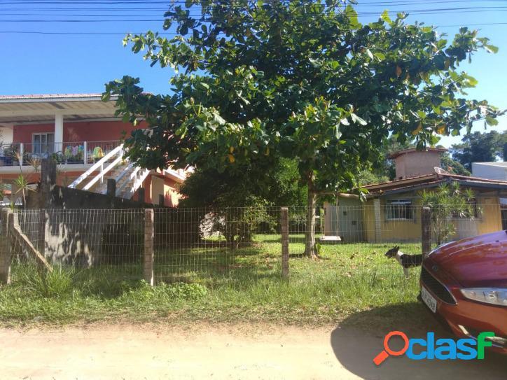 Terreno a venda com 272m². à 400m do asfalto. bem localizado florianópolis rio vermelho norte da ilha praia do moçambique.
