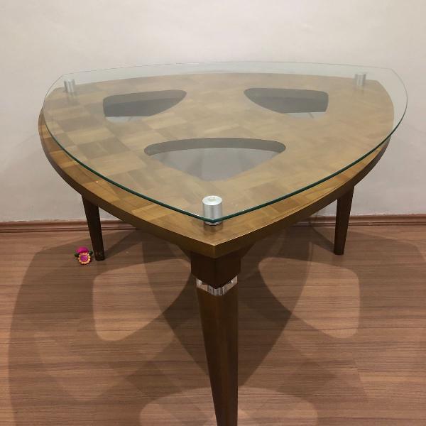 Linda mesa triangular c vidro