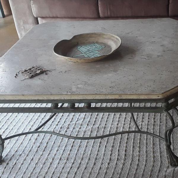 Mesa de centro ferro e marmore