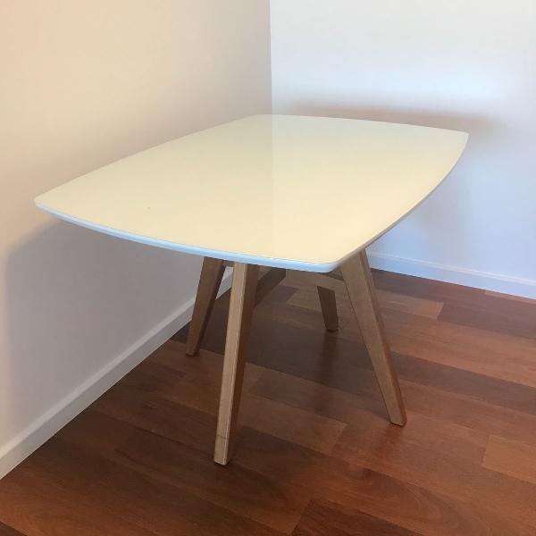 Mesa de jantar laca branca