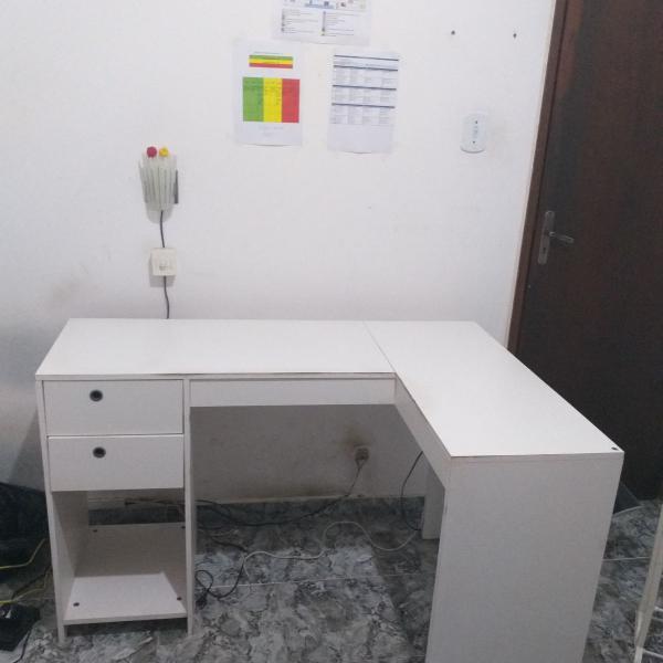Mesa grande branca para escritório/estudo