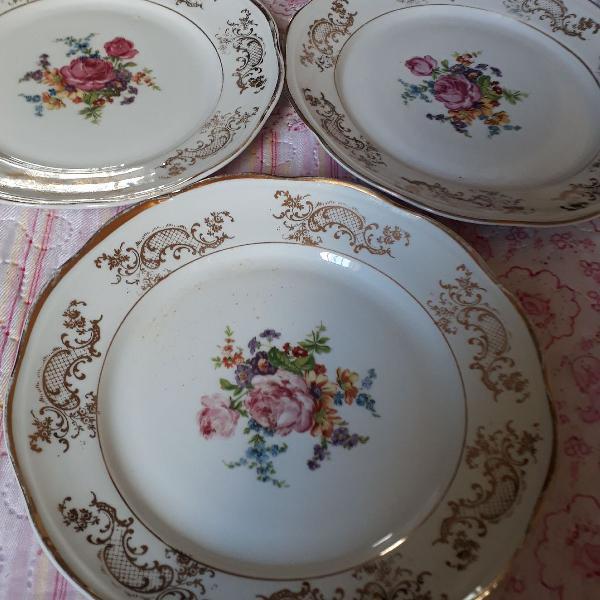 Pratos 3 pratos sobremesa porcelana antigos