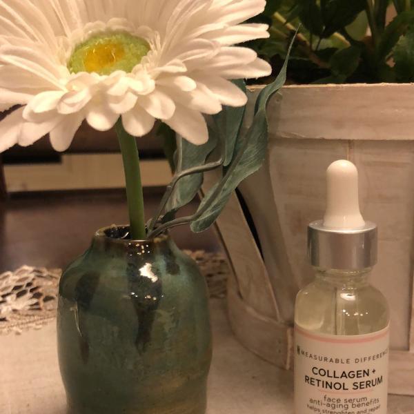 Serum facial com colágeno, retinol e ácido hialurônico
