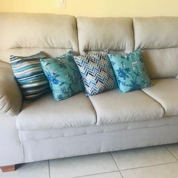 Sofa três lugares