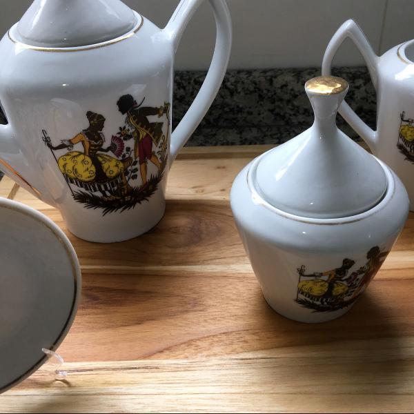 Um mimo só! jogo de café antigo porcela pozanni