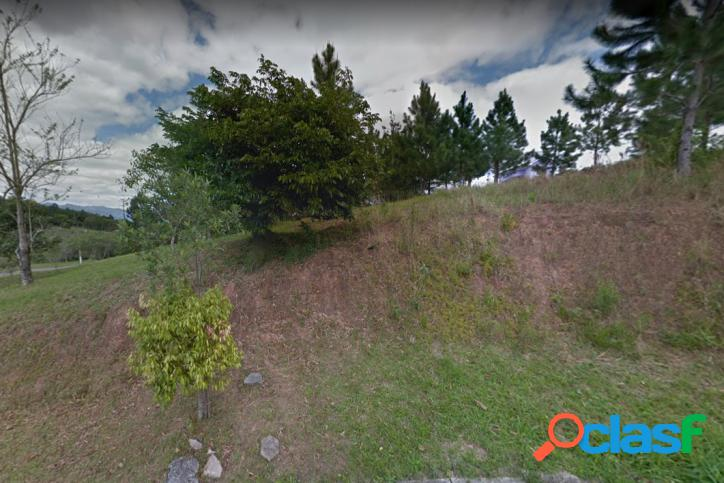 Terreno 360 m² na Pedra Branca perto do Lago e Unisul