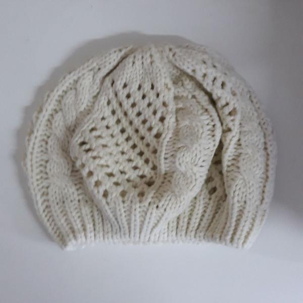 Gorro tradicional cor marfim