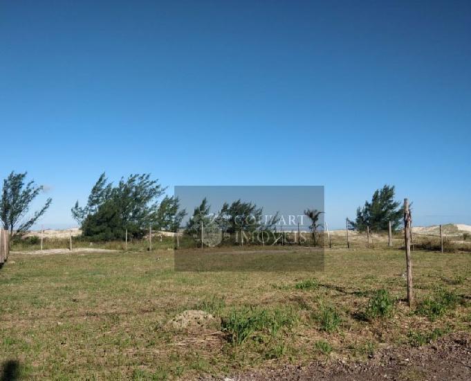 Terreno medindo 360 m² (12x30), pronto para construir.
