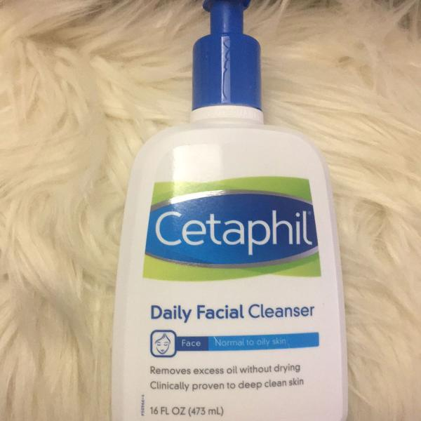 Cetaphil daily facial cleaneser