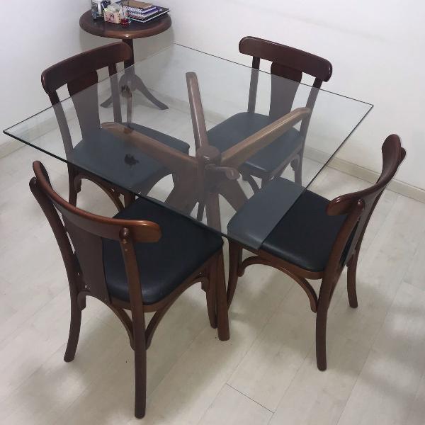 Conjunto mesa quadrada em vidro com cadeira tok&stok