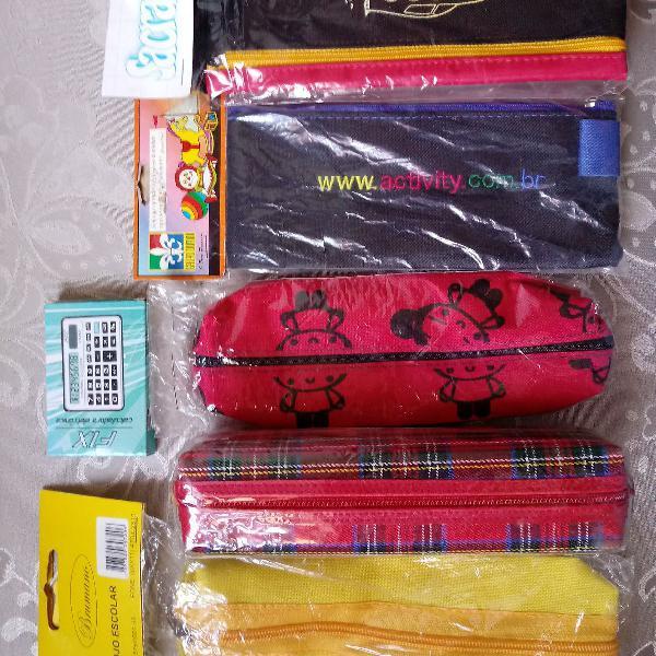 Kit escolar com 05 porta lápis, caneta e outros + 01 mini
