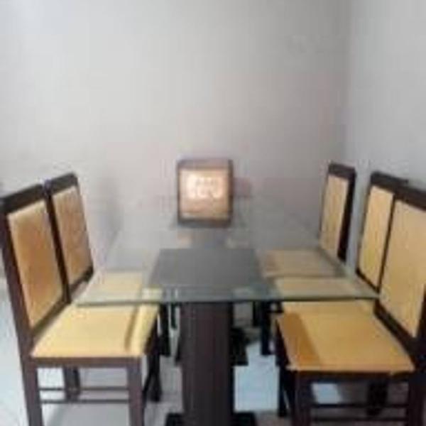 Sala de jantar e sala e de estar em mogno
