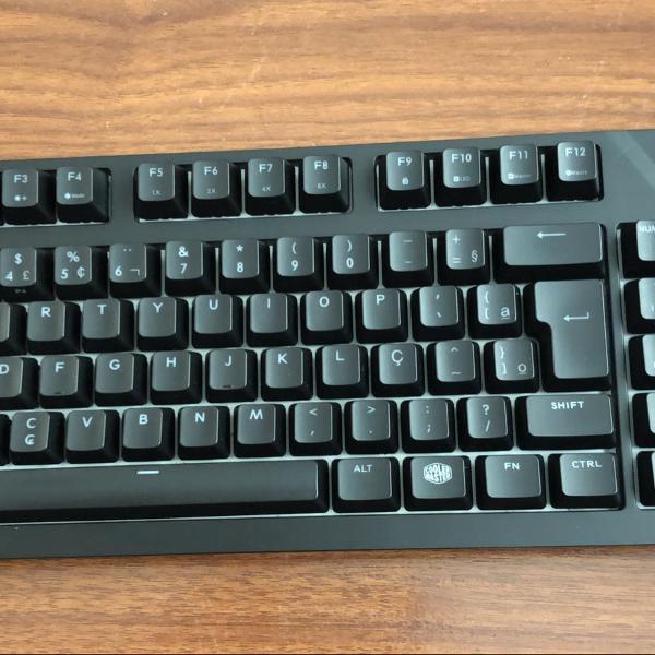 teclado mecânico cooler master