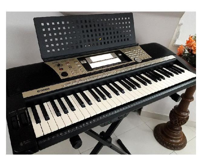 Lindo teclado arranjador yamaha psr 740 psr740 com vocalist
