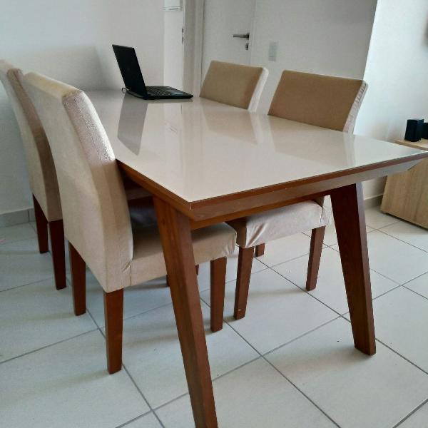 Mesa com 6 cadeiras mobly