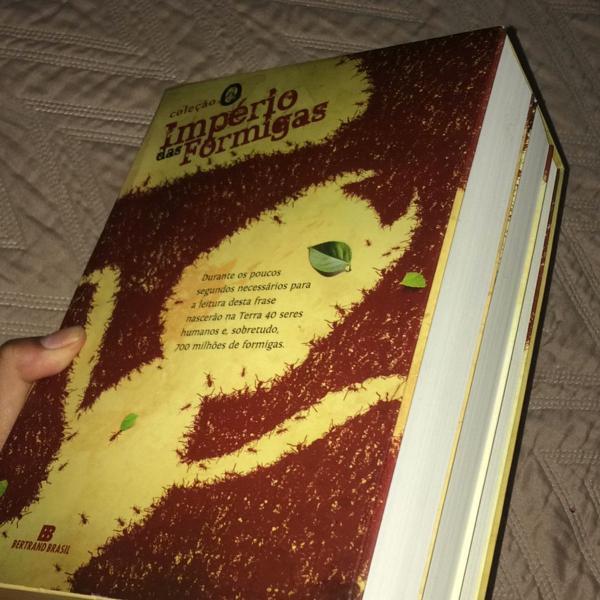 Box de livros o império das formigas