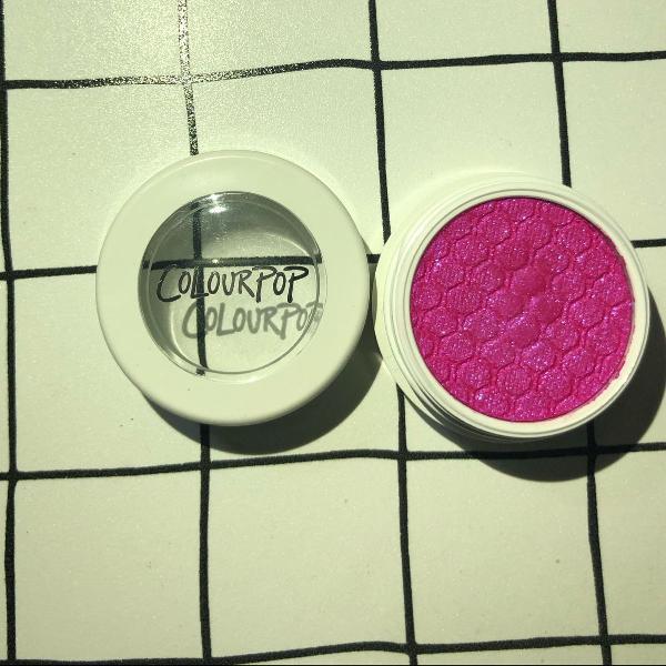 Sombra brilhante colourpop