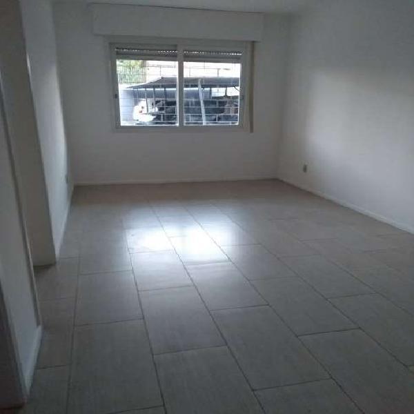 Apartamento com 1 quarto para alugar, 45 m² por r$ 585/mês