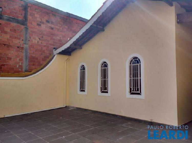 Casa com 3 quartos para alugar, 161 m² por r$ 1.500/mês