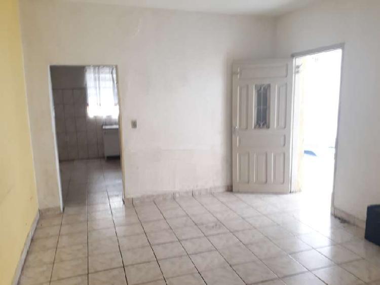 Casa com 3 quartos para alugar, 60 m² por r$ 1.100/mês