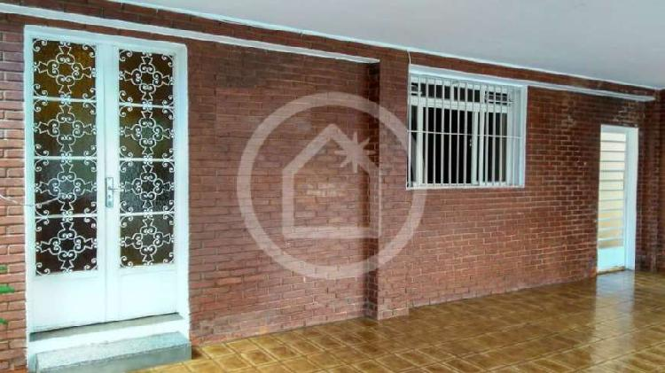 Casa com 4 quartos para alugar, 220 m² por r$ 2.800/mês