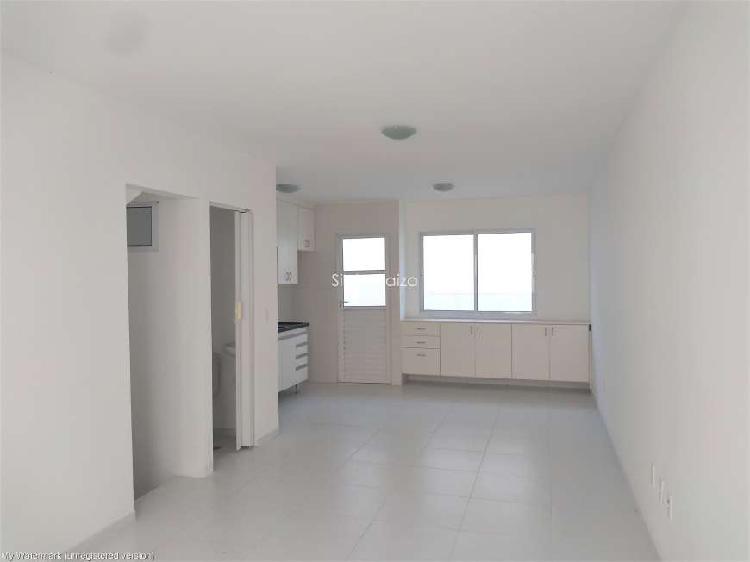 Casa de condomínio com 2 quartos para alugar, 70 m² por r$