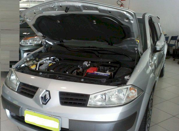 Renault megane dynamique 2.0 16v 08/09 - automatico - prata